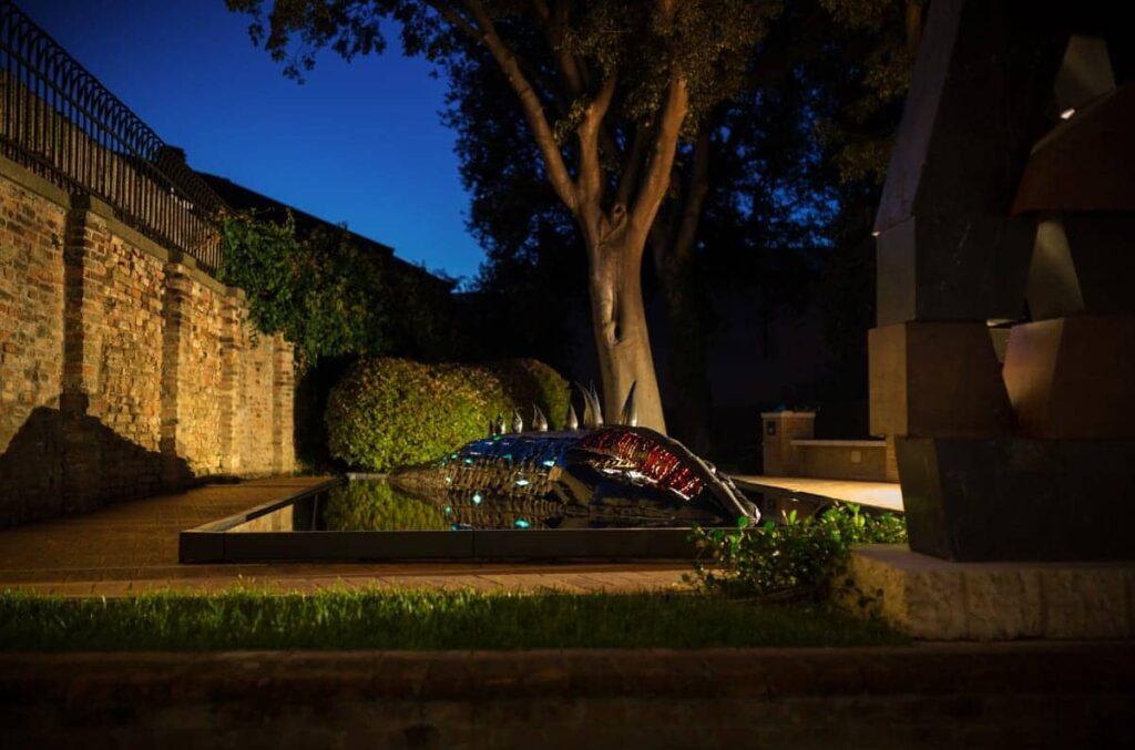 il-mostro-della-laguna-forme-dacqua-murano-glass-luxury-fontane-1-1024x677