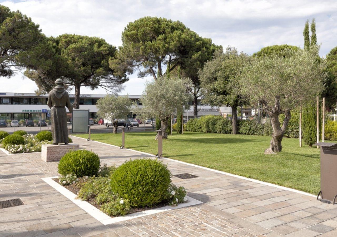 Perfect giardino forme dacqua with progetto giardino piccolo for Giardino piccolo progetto