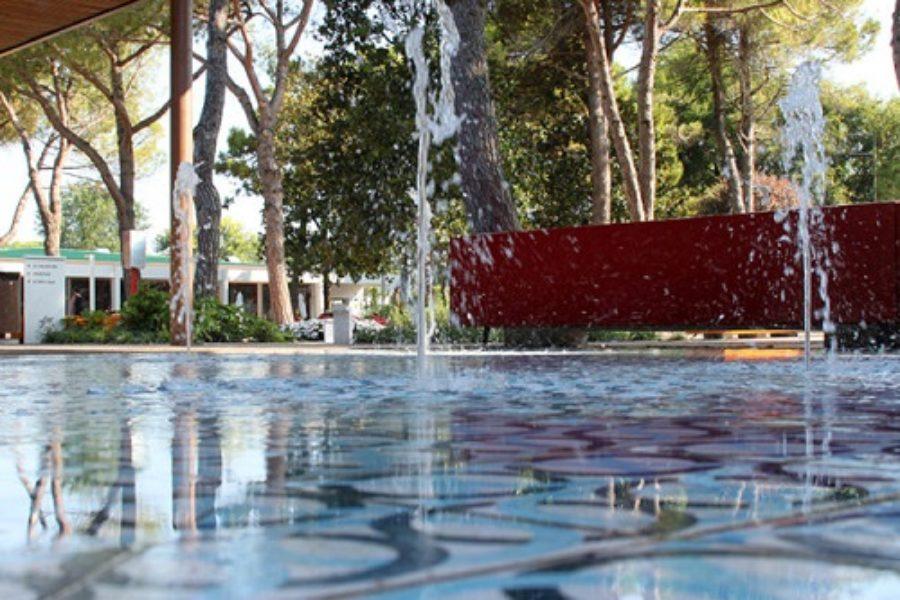 da-marina-di-venezia-fontane-a-raso-e-a-sfioro-69-650x650-900x600