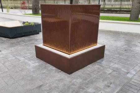 Fontana-manoppello3-450x300