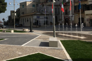 Dry deck fountain – Canadian heroes square – Ortona (Italy)