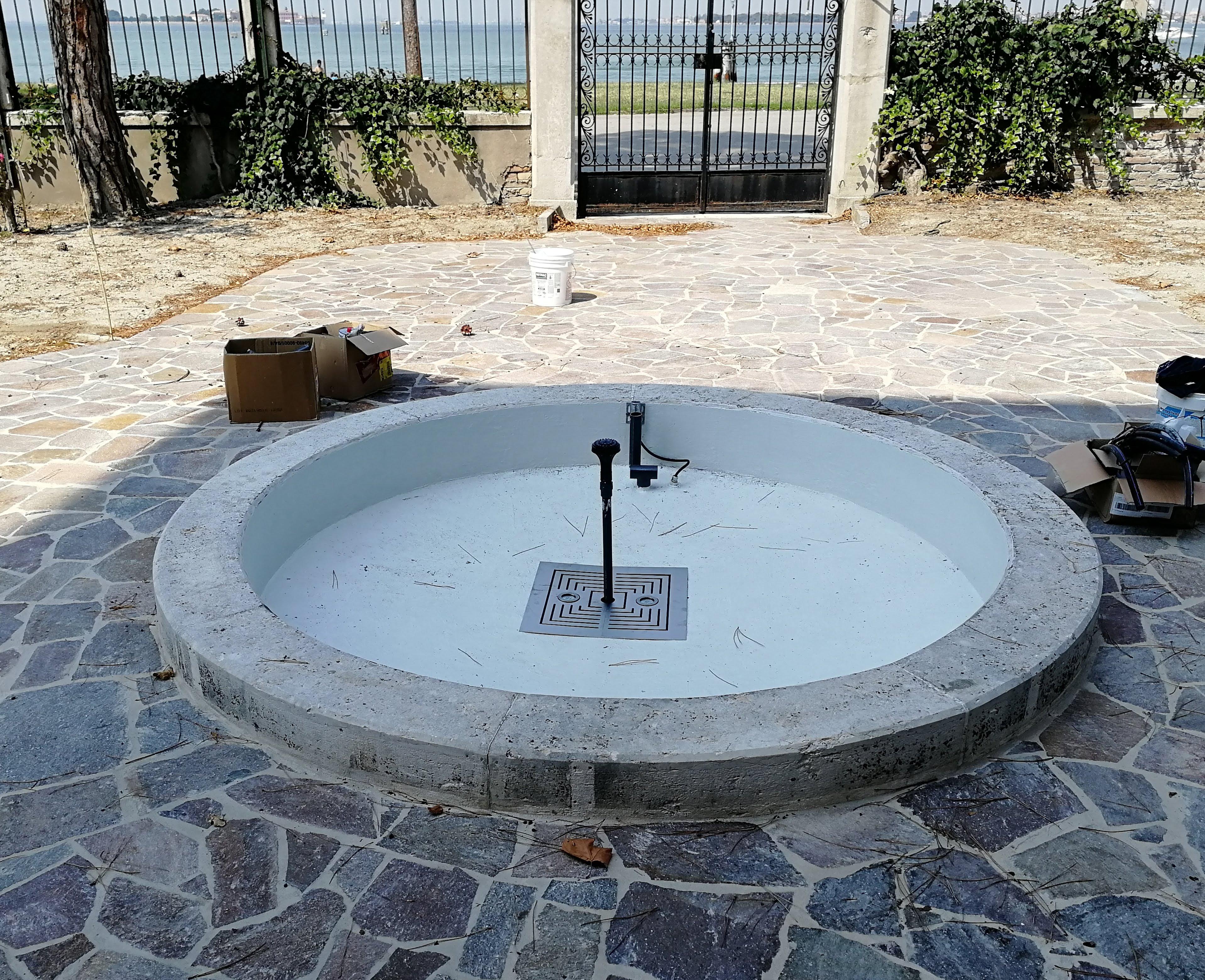 forme-dacqua_restauro-fontana-da-esterno_lido-di-venezia_2
